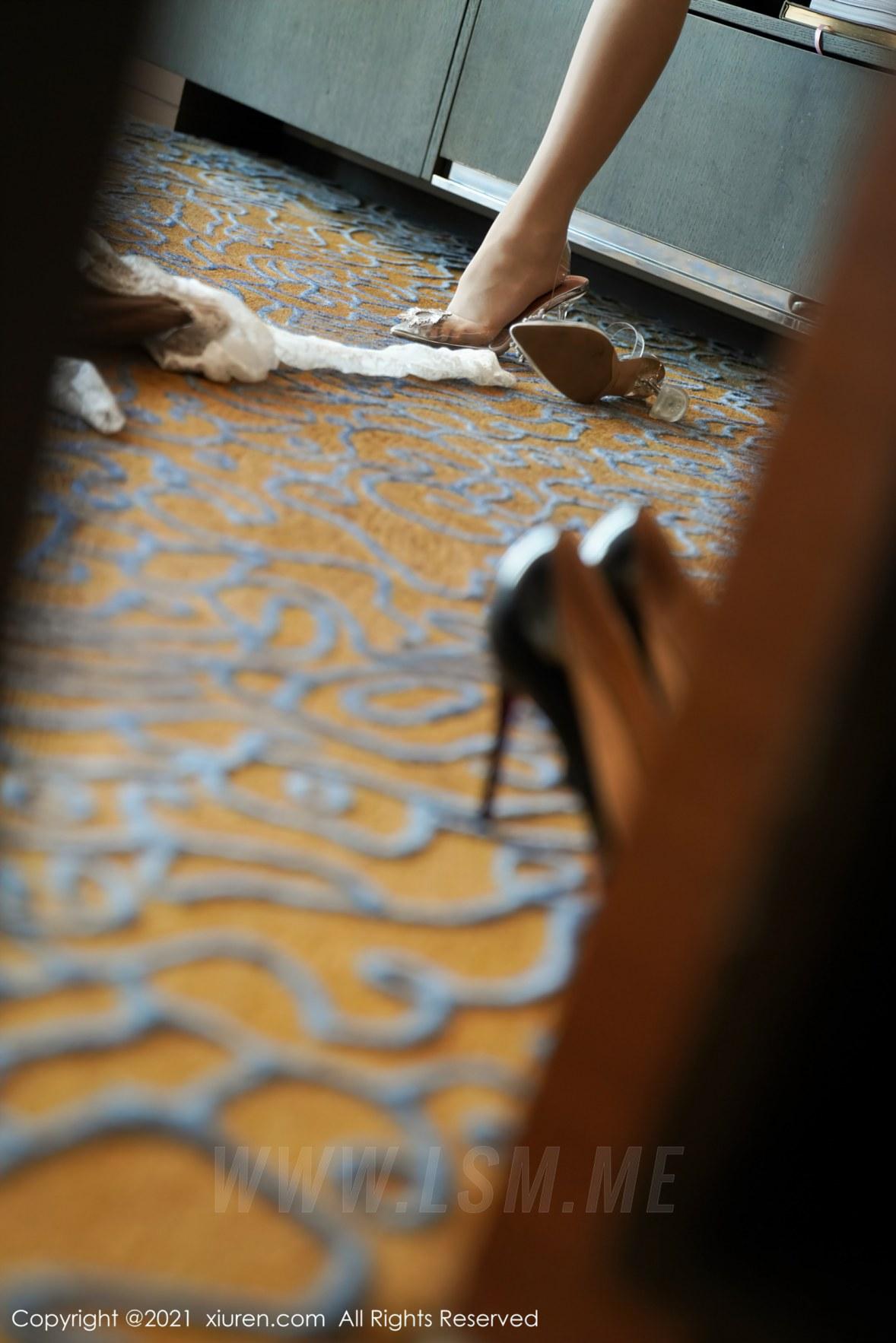 3719 035 g59 3603 5400 - XiuRen 秀人 No.3719 白色礼裙 果儿Victoria 御姐北京旅拍3 - 秀人网 -【免费在线写真】【丽人丝语】