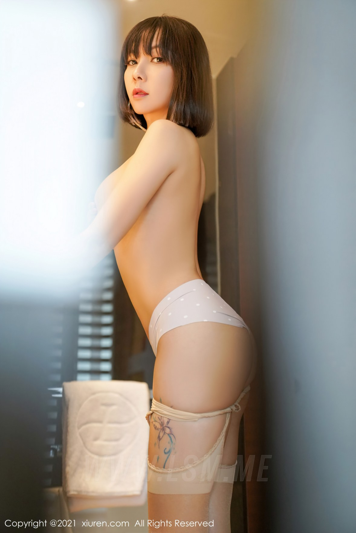 3719 048 0tq 3603 5400 - XiuRen 秀人 No.3719 白色礼裙 果儿Victoria 御姐北京旅拍3 - 秀人网 -【免费在线写真】【丽人丝语】