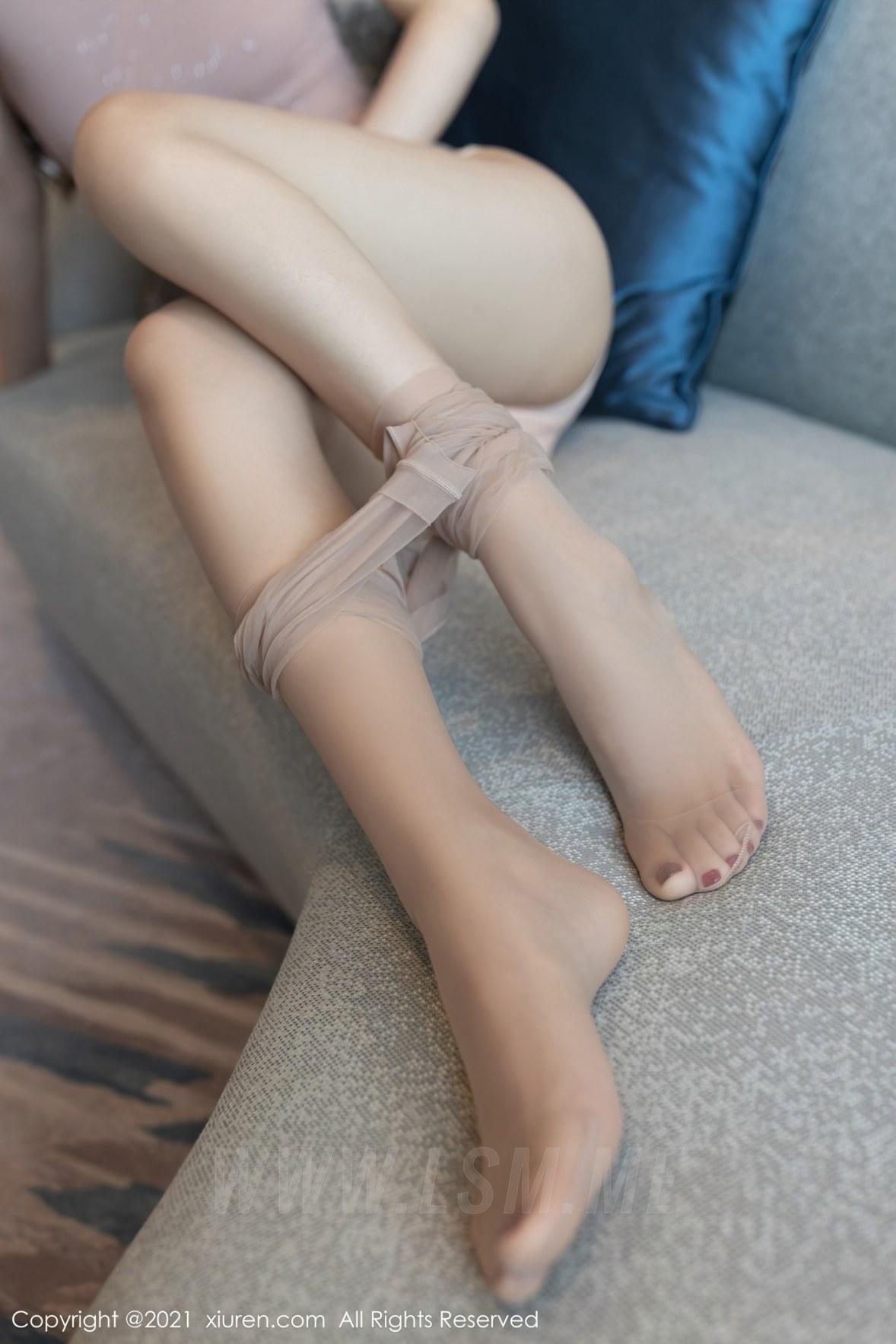 3780 046 ue8 3600 5400 - XiuRen 秀人 No.3780 裸色裙主题系列 唐安琪 澳门旅拍写真22 - 秀人网 -【免费在线写真】【丽人丝语】