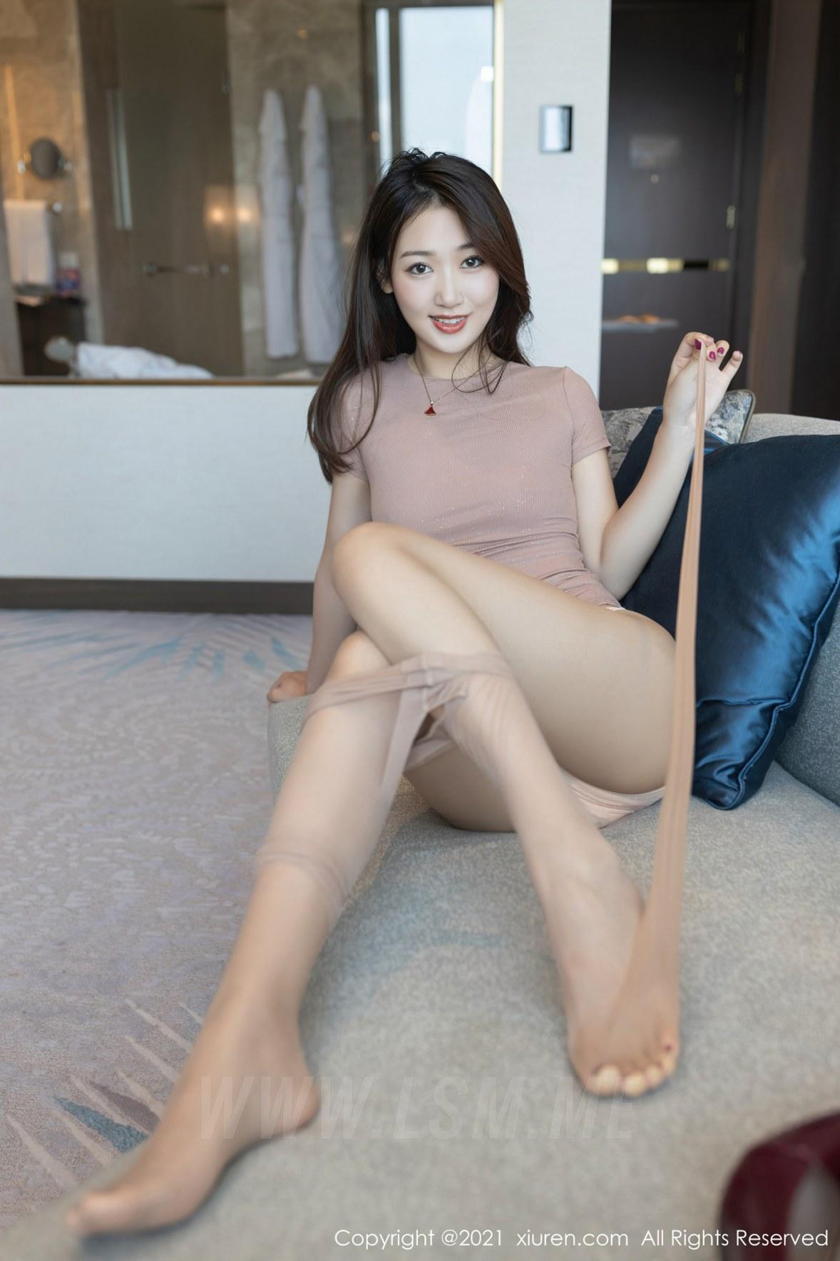 3780 047 1iz 3600 5400 - XiuRen 秀人 No.3780 裸色裙主题系列 唐安琪 澳门旅拍写真22 - 秀人网 -【免费在线写真】【丽人丝语】