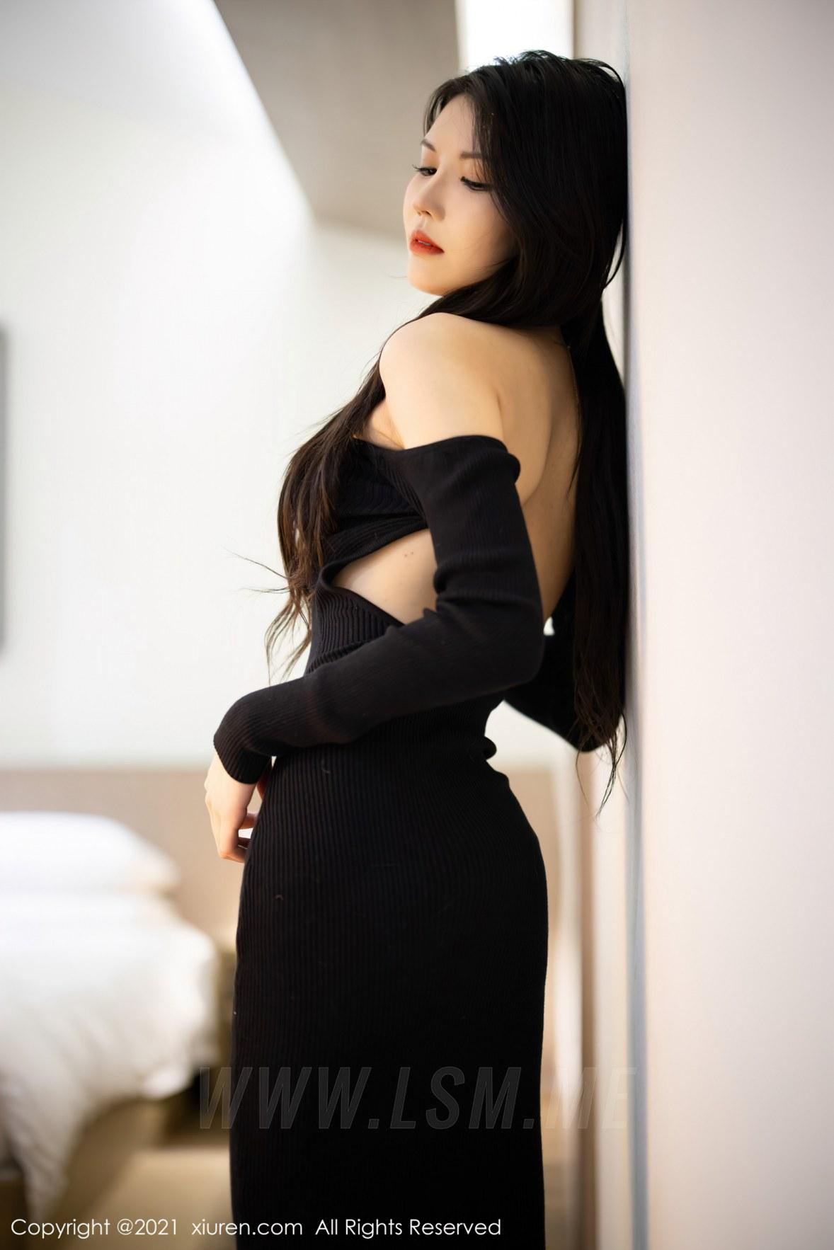 XiuRen 秀人 No.3822 新人模特 媛媛酱belle 杭州旅拍22 - 2