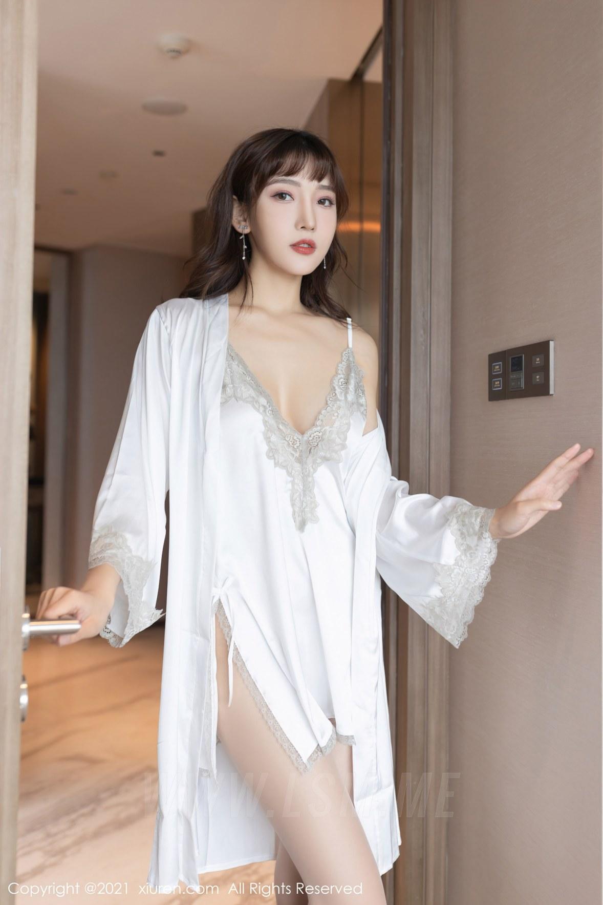 XiuRen 秀人 No.3861 居家睡衣主题 陆萱萱 性感写真11 - 2