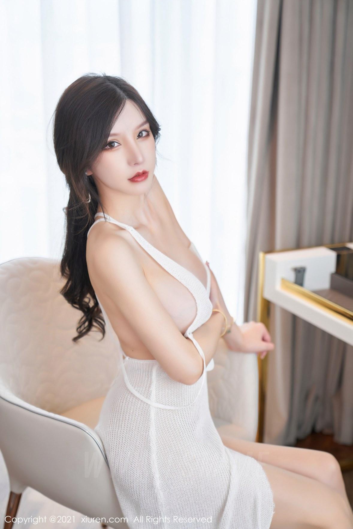XiuRen 秀人 No.3866 镂空吊裙 周于希Sandy 大理旅拍111 - 2