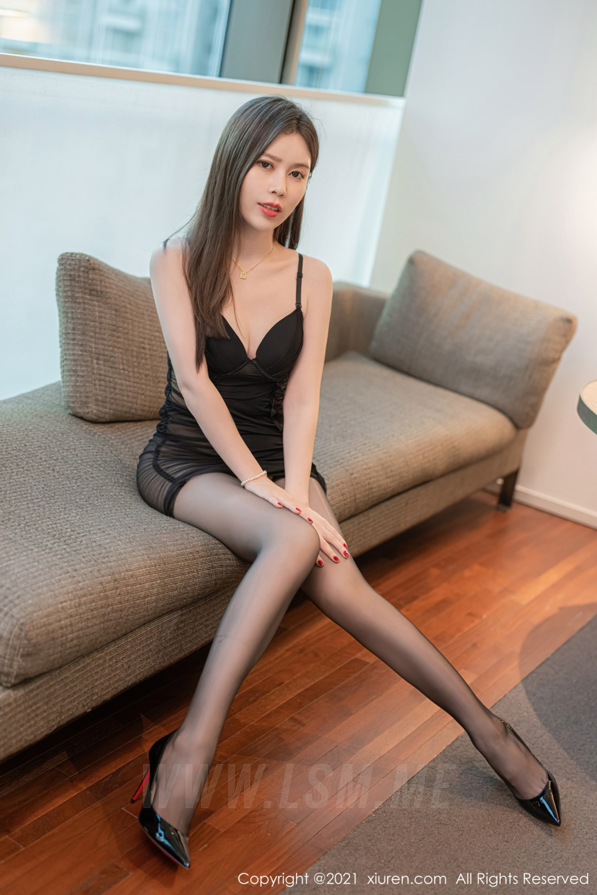 XiuRen 秀人 No.3873 迷人吊裙 吴雪瑶 性感写真2 - 1