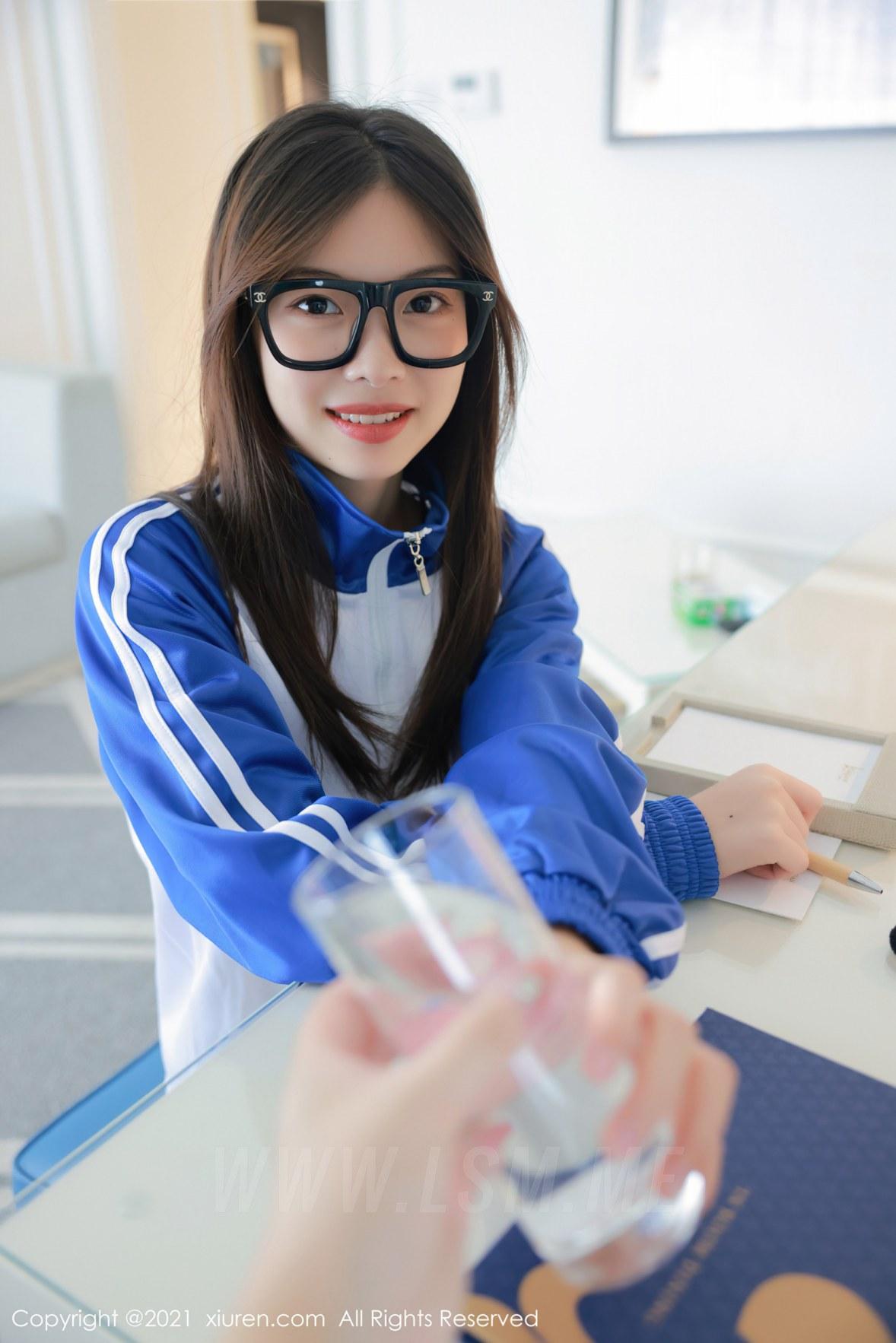 XiuRen 秀人 No.3875 蓝色校服下 明日花桃桃 性感写真3 - 3