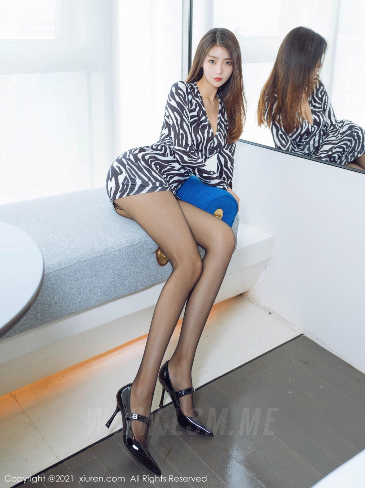 3890 002 n9q 4047 5400 - XiuRen 秀人 No.3890 斑纹短裙 可樂Vicky 性感写真2 - 秀人网 -【免费在线写真】【丽人丝语】