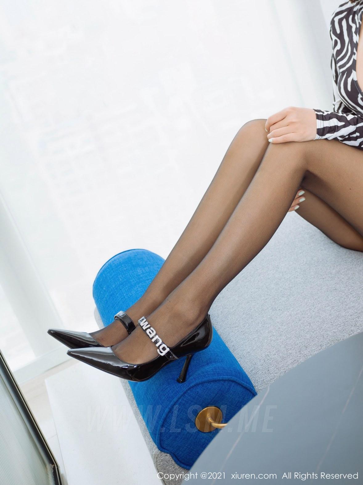 3890 037 dky 4047 5400 - XiuRen 秀人 No.3890 斑纹短裙 可樂Vicky 性感写真2 - 秀人网 -【免费在线写真】【丽人丝语】