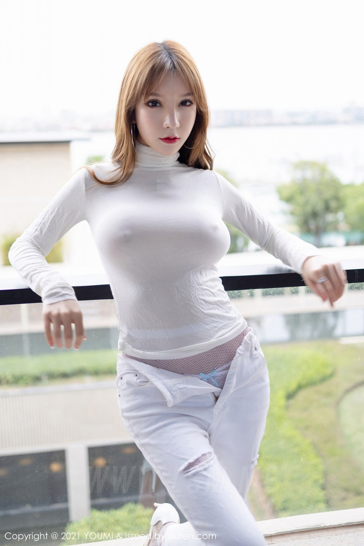 YOUMI 尤蜜荟 Vol.589 真空毛衣魅惑网袜 周于希 - 1
