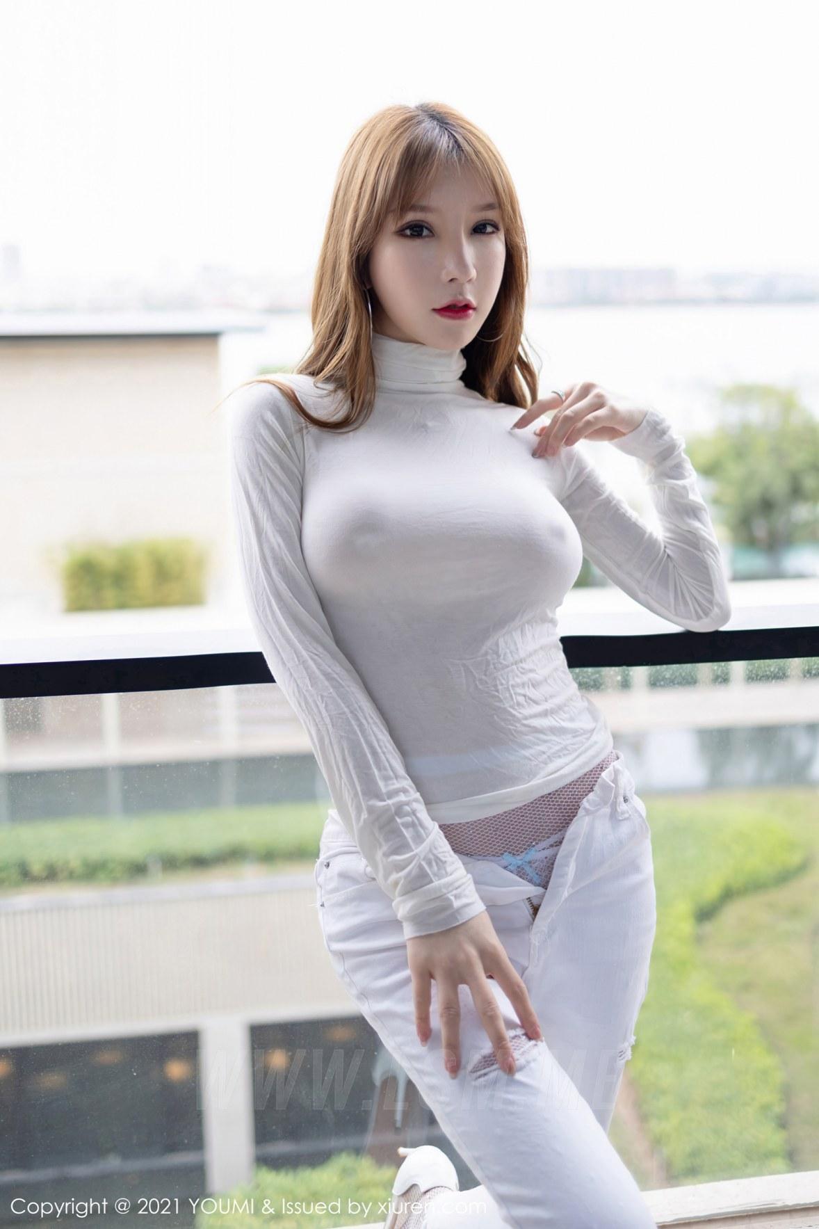 YOUMI 尤蜜荟 Vol.589 真空毛衣魅惑网袜 周于希 - 2