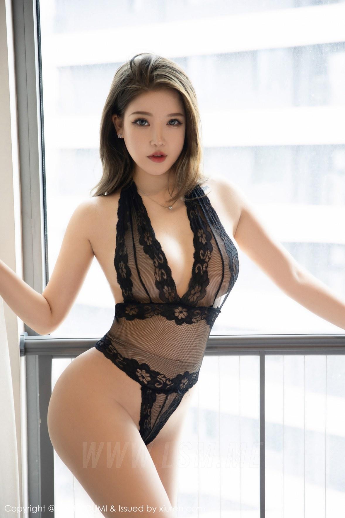 YOUMI 尤蜜荟 Vol.673 魅惑连体衣 小海臀Rena 性感写真333 - 1